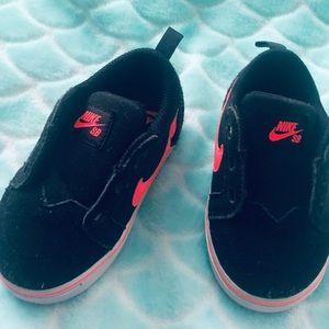 Nike toddler shoe
